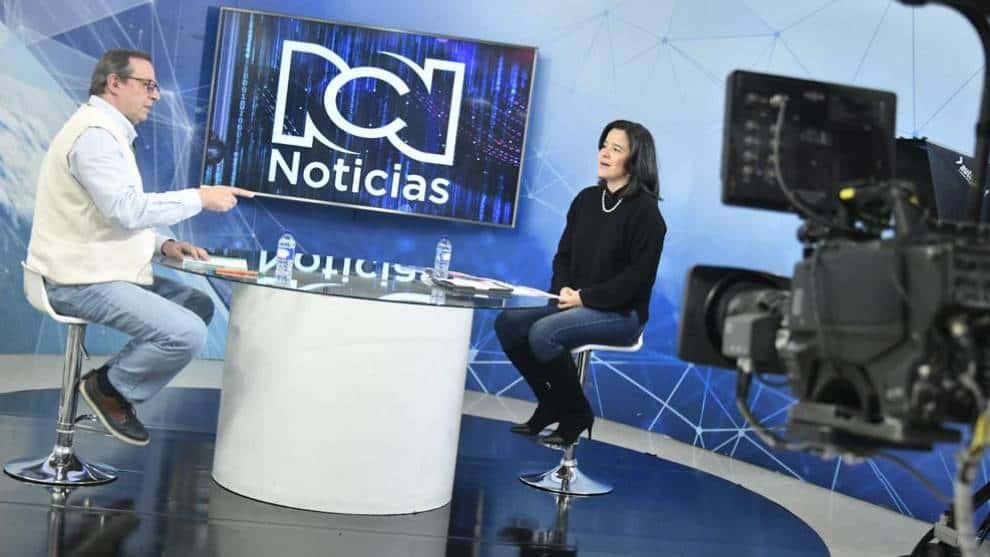 La subasta de espectro en Colombia está firme y sólida responde Ministra TIC, Sylvia Constaín