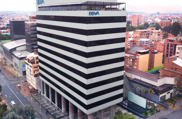 El ICO y BBVA Colombia firman un acuerdo por 50 millones de dólares para financiar proyectos de empresas españolas en Latinoamérica