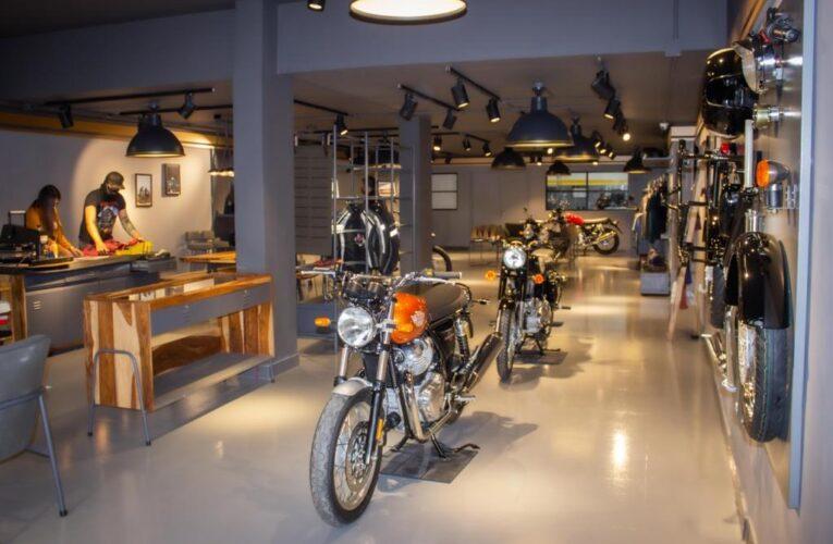 Royal Enfield transforma al motociclista colombiano